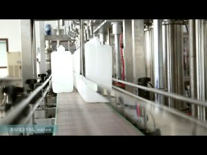 mesin pelabelan pengisian minyak pelumas otomatis penuh